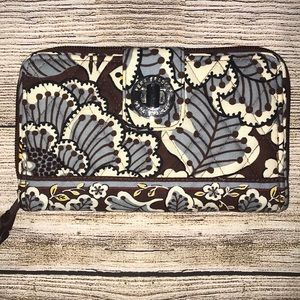 NWOT Vera Bradley zip around wallet